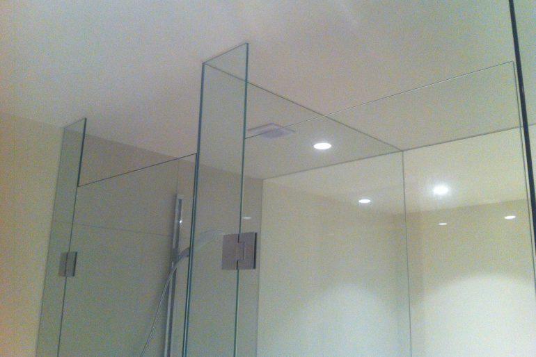 Dubbele cabine met douche en toilet